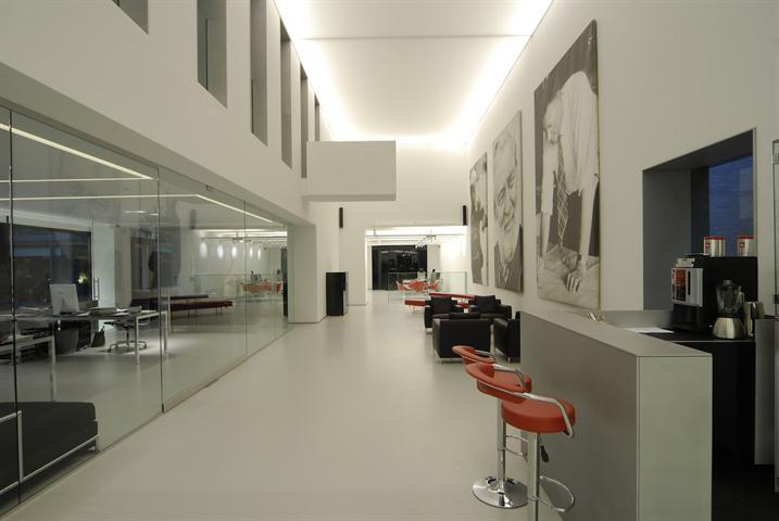 Makelaarskantoor De Meester, Commercieel|Gebouw voor gemengd gebruik te 2000 Antwerpen