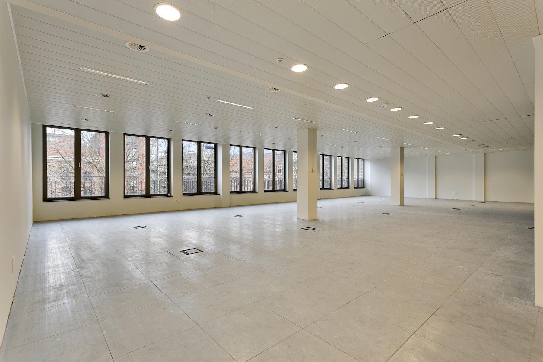 Makelaarskantoor De Meester, Kantoor|Kantoor te 2000 Antwerpen