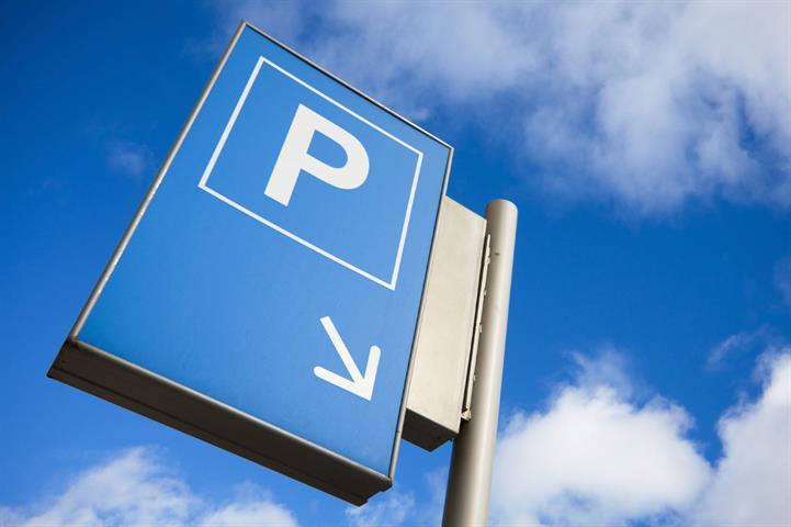 Makelaarskantoor De Meester, Garage / parking Binnenstaanplaats te 2020 Antwerpen