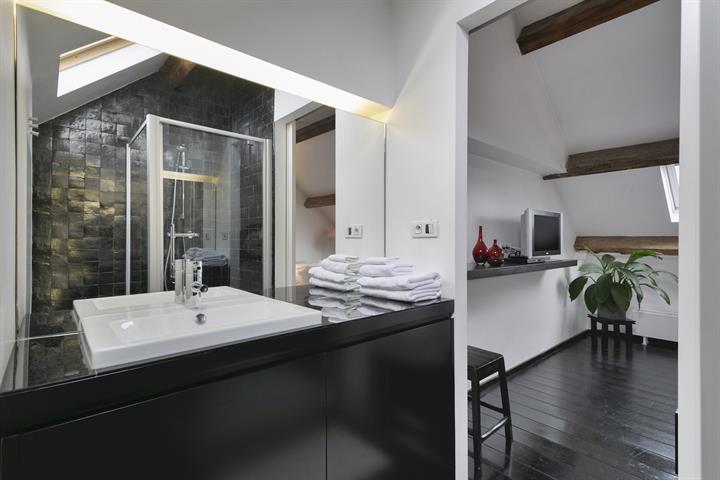 Makelaarskantoor De Meester, Huis|Gebouw voor gemengd gebruik te 2000 Antwerpen